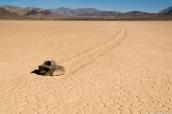 L'une des pierres qui bougent de The Racetrack dans Death Valley National Park