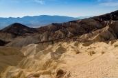 Badlands de la vallée de la mort dans Golden Canyon Trail