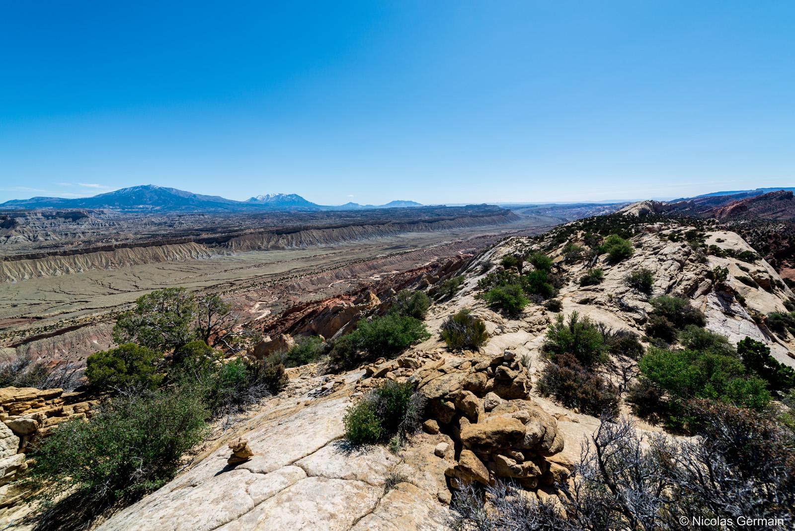 Le waterpocket fold et la vue vers le sud, pris du chemin de crête d'Upper Muley Twist Canyon