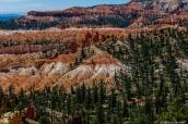Paysage de Bryce Canyon vu du chemin de randonnée Fairyland Loop