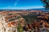 Panorama des amphithéâtres de Bryce Canyon