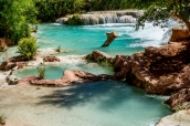 Eau turquoise au niveau d'Havasu Falls, Havasupai
