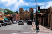 Cathedrale-basilique Saint François d'Assise et rue commerçante de Santa Fe, Nouveau-Mexique