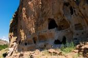 Habitations indiennes troglodytiques dans Bandelier National Monument, Nouveau-Mexique
