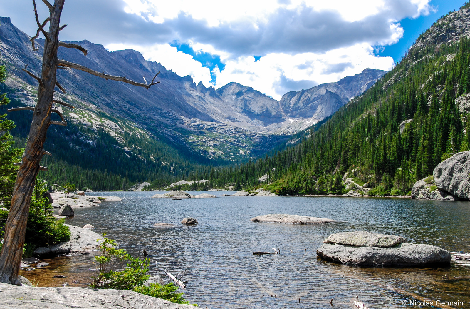 rocky-mountain-lake