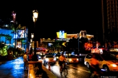 Scène de nuit sur le strip de Las Vegas