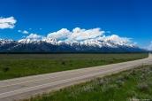 Paysage de montagnes enneigées à l'entrée sud de Grand Teton National Park, Wyoming