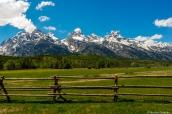 Vue sur les montagnes de Grand Teton près de Climbers Ranch, Wyoming