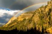 Ciel d'orage et double arc-en-ciel à Yellowstone National Park, Wyoming