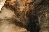 Vieille échelle descendant dans Bottomless Pit, un trou béant dans Carlsbad Caverns, Nouveau-Mexique