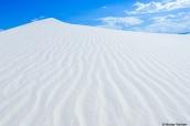 Dune de sable blanc dans White Sands, Nouveau-Mexique