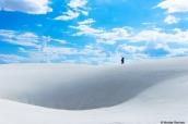 Randonneur dans White Sands, Nouveau-Mexique