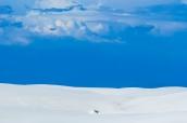 Les nuages dominent les dunes blanches de White Sands