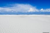 Désert de sable blanc à perte de vue dans White Sands, Nouveau-Mexique