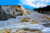 Terrasses calcaires de mammoth Hot Springs dans Yellowstone National Park, Wyoming