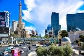 Vue sur le strip de Las Vegas et notamment l'hôtel Paris et sa Tour Eiffel