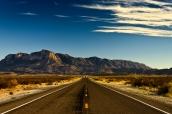 Chaîne des Guadalupe Mountains et El Capitan vus de la route, Texas