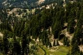 Paysage de montagne et de forêt de Lassen Volcanic National Park, Californie