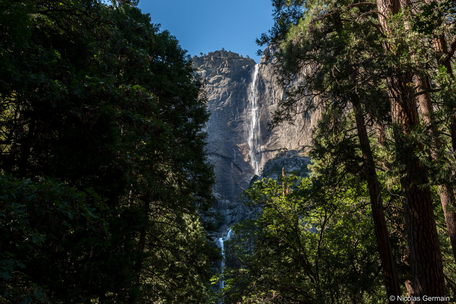 Upper et Lower Yosemite Falls plongent de 739 mètres, Yosemite National Park
