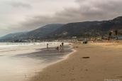 Plage de Malibu près de Los Angeles sous un ciel chargé, Californie