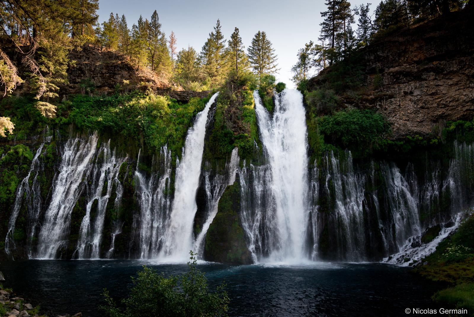 Très belles cascades de Burney Falls dans le nord de la Californie