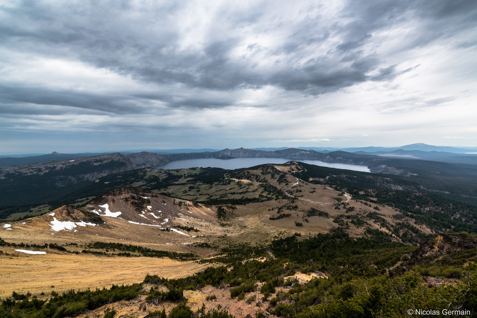 crater-lake-mount-scott-trail