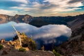 Crater Lake et Wizard Island au coucher du soleil, Oregon