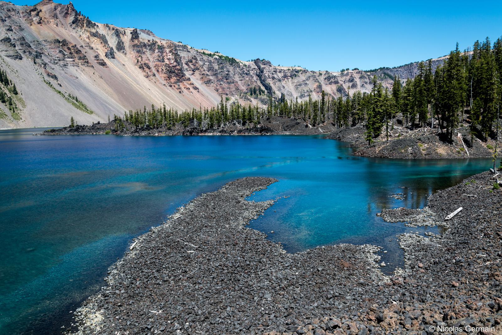 Eaux turquoises et transparentes près de Fumarole Bay, sur Wizard Island, Crater Lake National Park