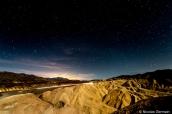 Ciel étoilé et badlands de Zabriskie Point, Vallée de la mort