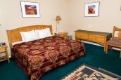 Une chambre king-size bed au Rim Rock Inn de Torrey, Capitol Reef