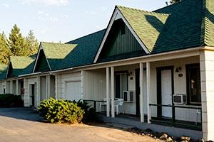 Green Gables Motel & Suites