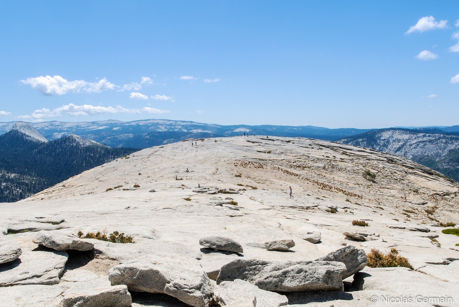 Le sommet relativement plat du Half Dome, Yosemite