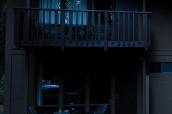 Vue de l'extérieur d'une chambre et de son balcon à Yosemite Valley Lodge