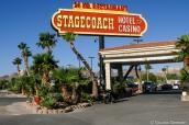Panneau d'entrée du motel Stagecoach Hotel and Casino à Beatty, près de la Vallée de la Mort