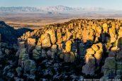 Chiricahua et ses alentours aux premières lueurs du jour