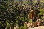 Upper Rhyolite Canyon vu du sentier du même nom dans Chiricahua