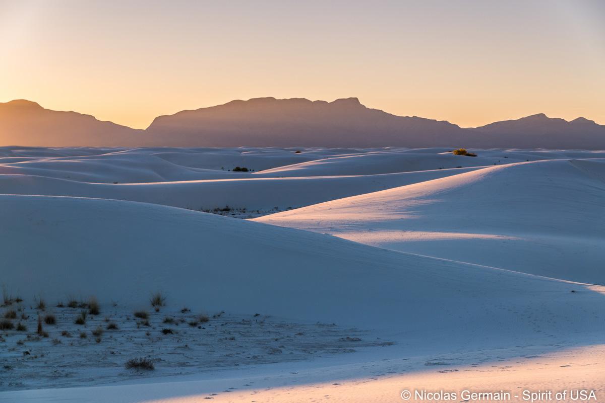 Paysage des dunes de White Sands au coucher du soleil, New Mexico