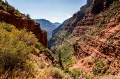 Descente dans le Grand Canyon par le sentier North Kaibab Trail