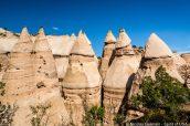 Principaux cônes de Kasha Katuwe Tent Rocks vus de Slot Canyon Trail