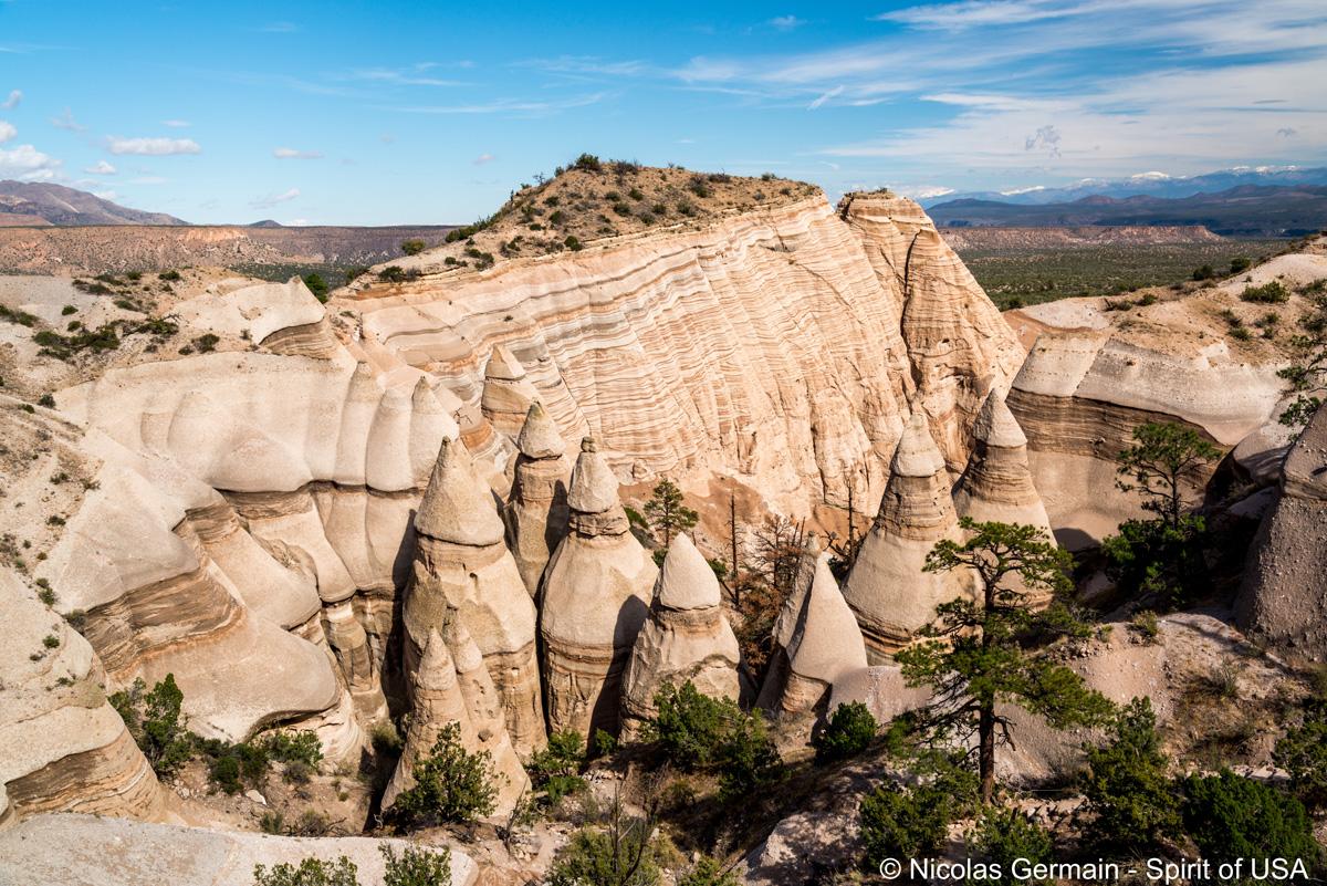 Vue principale de Slot Canyon Trail sur les tentes de Kasha Katuwe Tent Rocks