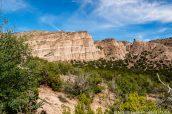 Vue d'ensemble de Kasha Katuwe Tent Rocks à partir de Cave Loop Trail