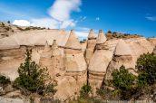 Principaux cônes rocheux de Kasha Katuwe Tent Rocks vus de Slot Canyon Trail