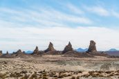 Aiguilles du Northern Group de Trona Pinnacles