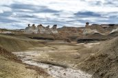 Hoodoos et rochers en équilibre de Burnham Badlands, Nouveau-Mexique