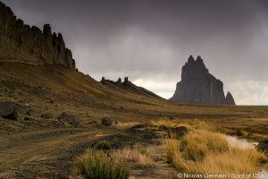 Shiprock et son dyke volcanique sud, New Mexico