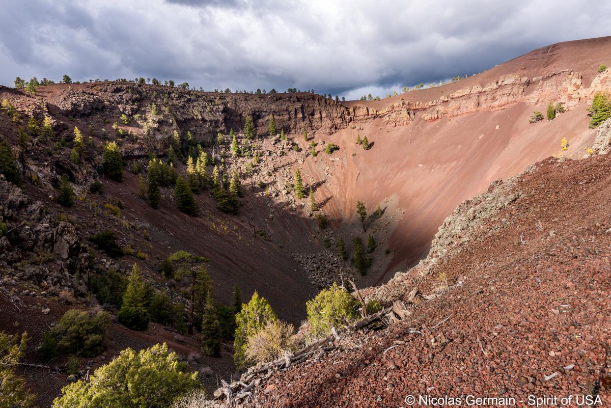 Cratère de Bandera Volcano près de Ice Cave dans une section privée jouxtant El Malpais