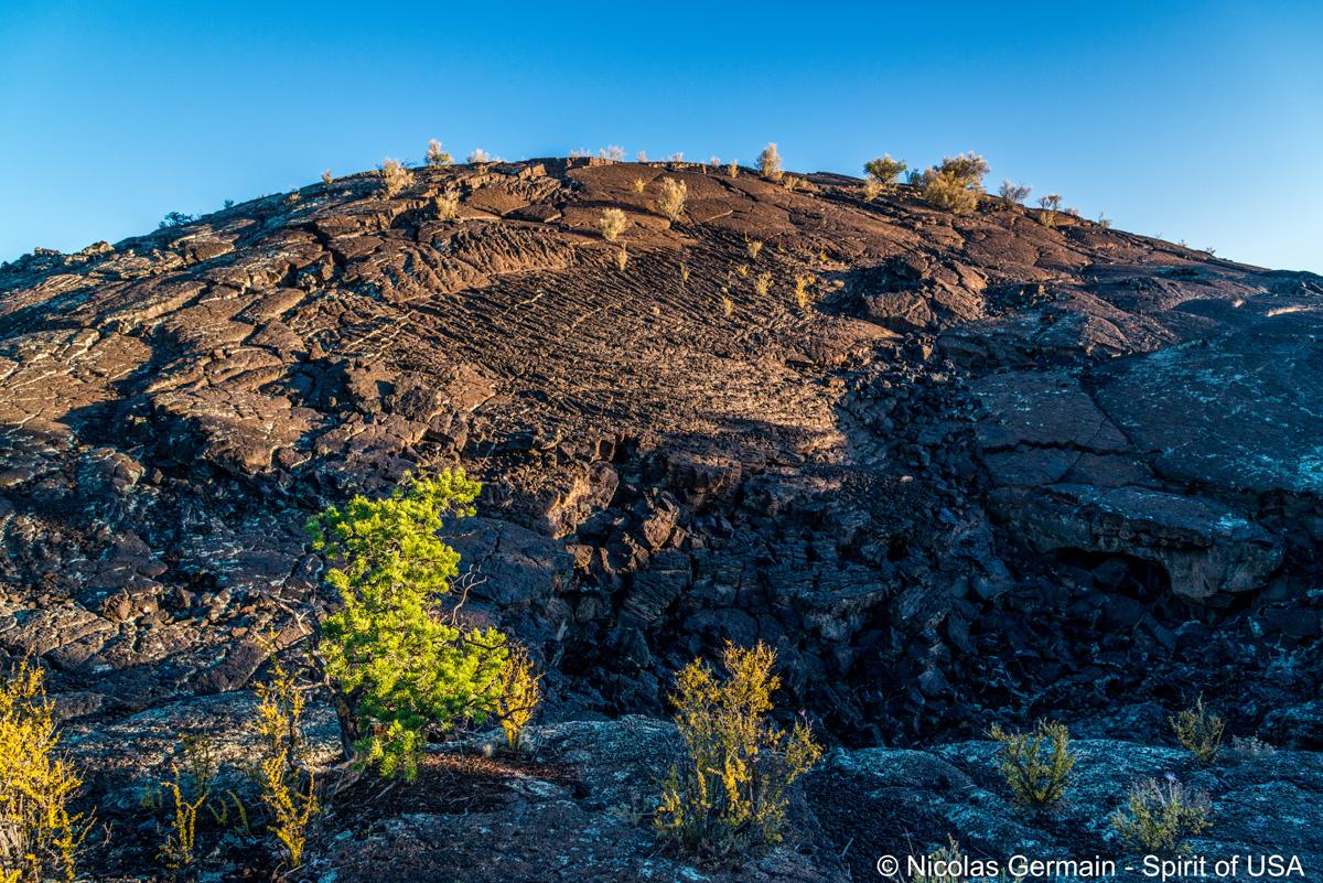 Une petite colline de lave solidifiée à Lava Falls, El Malpais