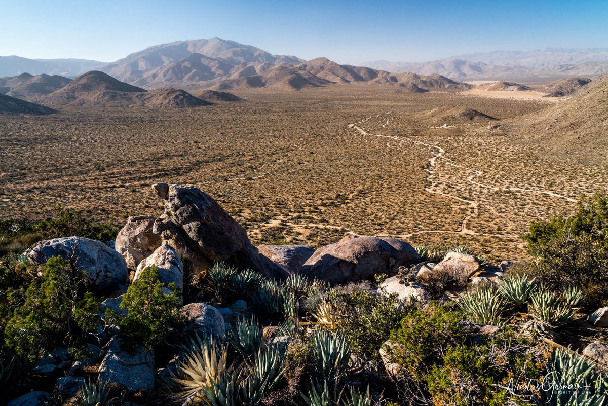 Panorama sur Blair Valley du sommet de Ghost Mountain à Marshal South Home, Anza Borrego