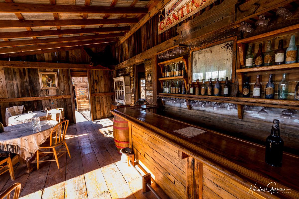 Intérieur d'un saloon à Castle Dome City, Kofa National Wildlife Refuge