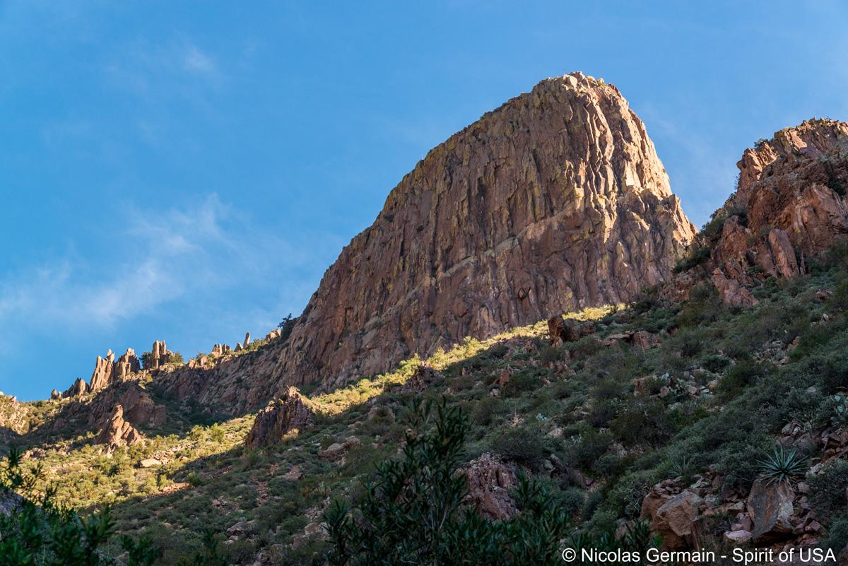 Le Flatiron, sommet de Lost Dutchman dans les Superstition Mountains